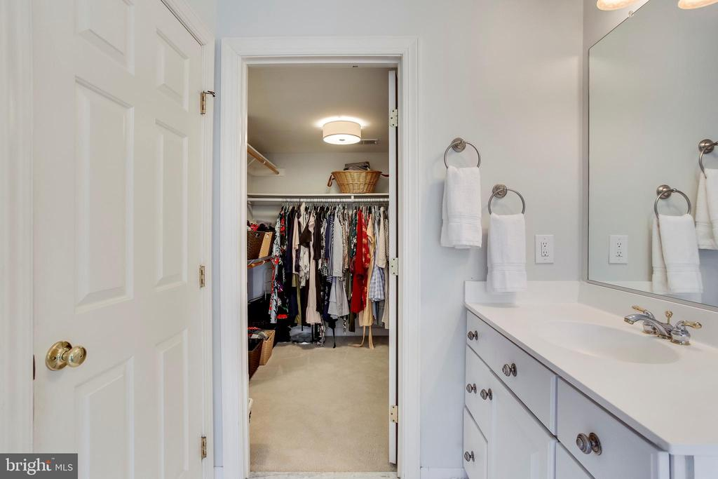 Master Bath to walk-in closet - 11580 CEDAR CHASE RD, HERNDON