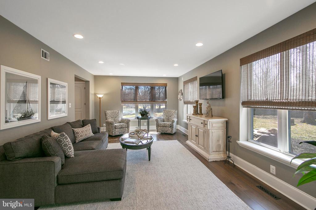 LIVING ROOM  VIEW TO FOYER - 13450 REED RD, THURMONT