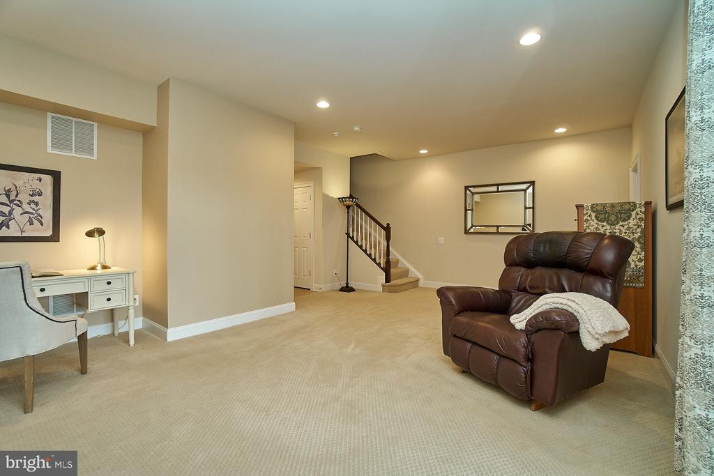 Lower level has a large family room - 20639 ERSKINE TER, ASHBURN