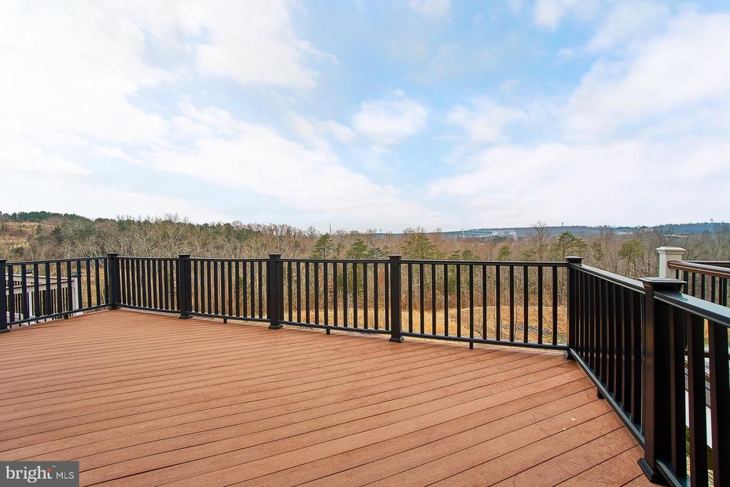 Huge deck - great for entertaining! - 20639 ERSKINE TER, ASHBURN