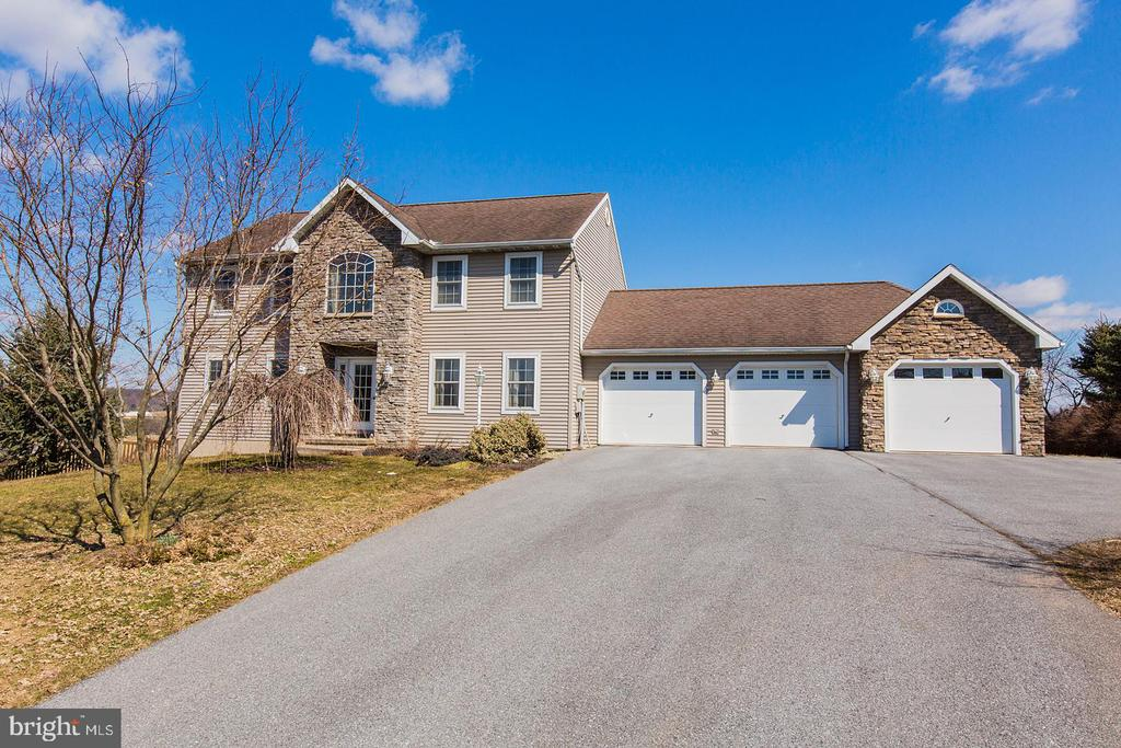 3171 N COLEBROOK ROAD, Manheim in LANCASTER County, PA 17545 Home for Sale