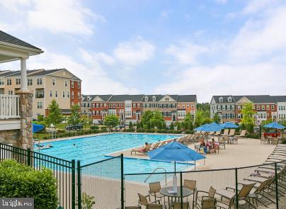 Community outdoor pool - 20639 ERSKINE TER, ASHBURN