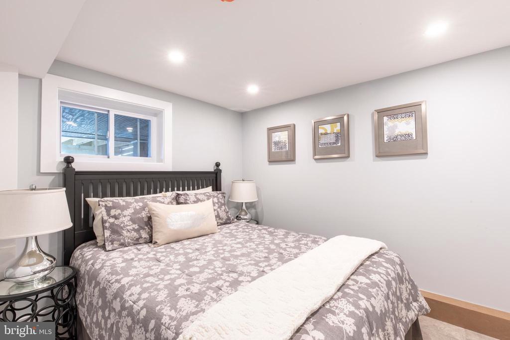 Basement bedroom - 4710 5TH ST NW, WASHINGTON