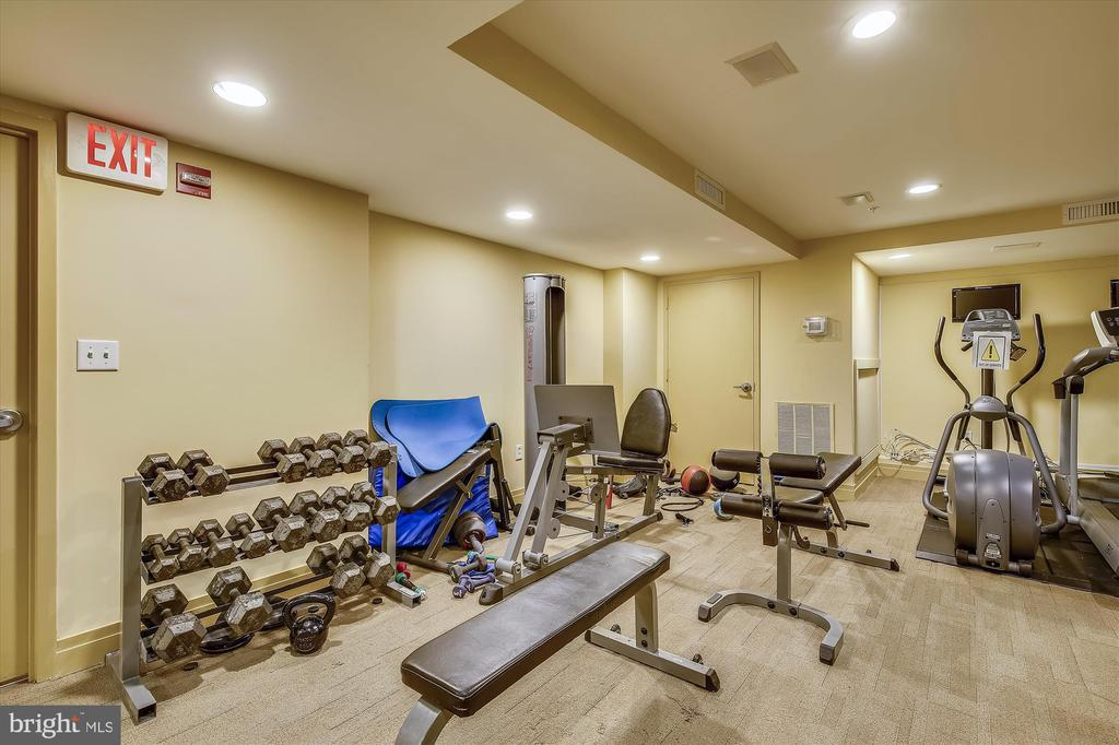 Well Equipped Gym - 915 E ST NW #705, WASHINGTON