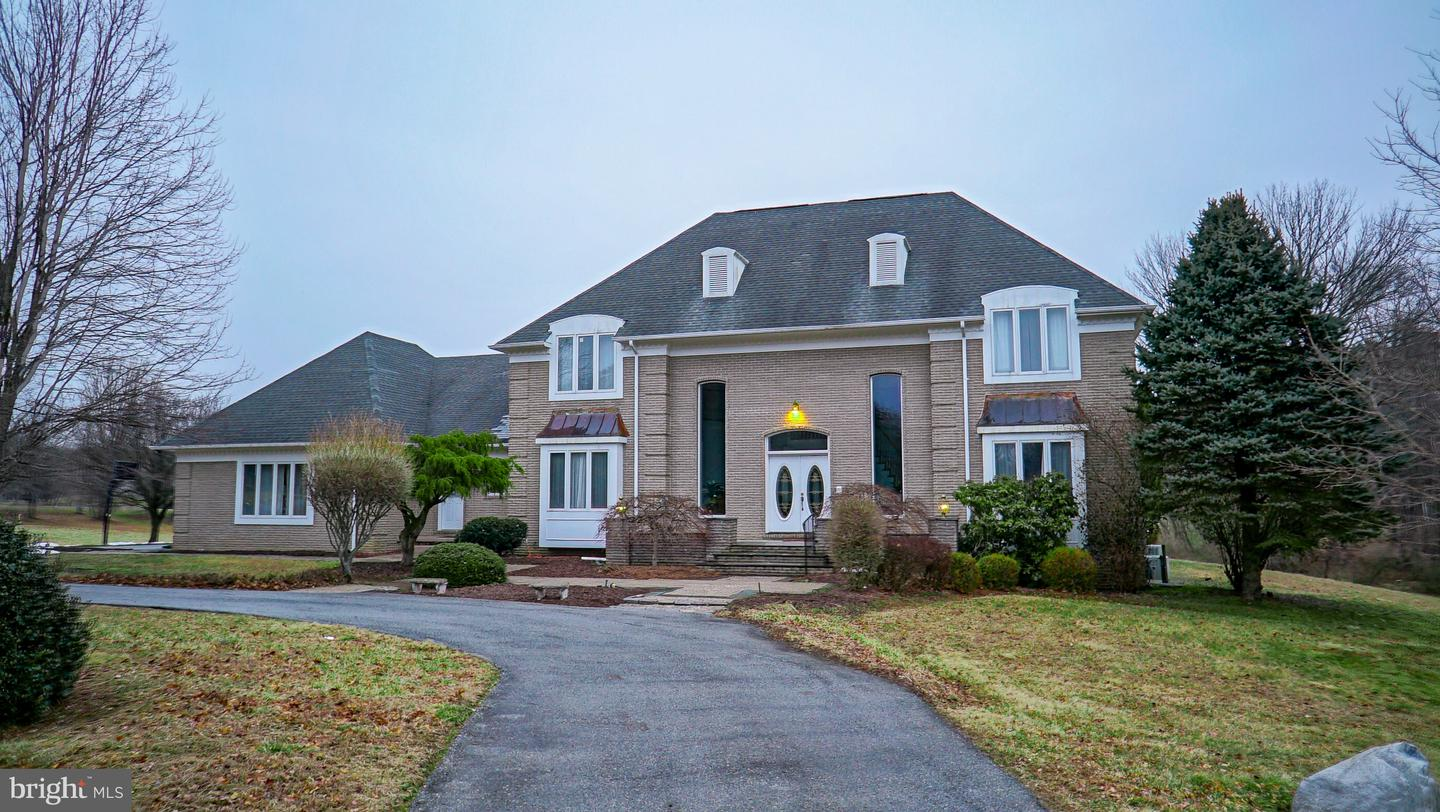 Photo of home for sale at 200 Dogwood Slope Road, Greenville DE