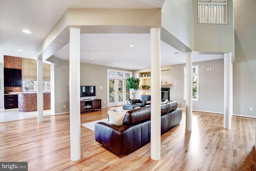 Living area - 1466 WATERFRONT RD, RESTON