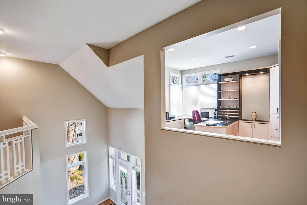 View of foyer from upper level - 1466 WATERFRONT RD, RESTON