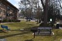 Several picnic areas with grills - 4917 AMERICANA DR #E, ANNANDALE
