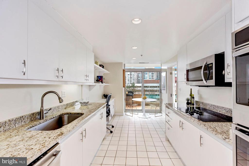 Gourmet Kitchen with Built-in Desk - 5610 WISCONSIN AVE #804, CHEVY CHASE
