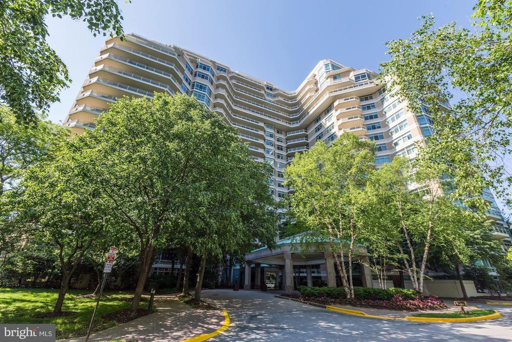 Somerset House II - 5610 WISCONSIN AVE #804, CHEVY CHASE