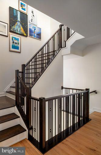 Gramercy Park New Haven Staircase to Loft - 42484 MILDRED LANDING SQ, ASHBURN