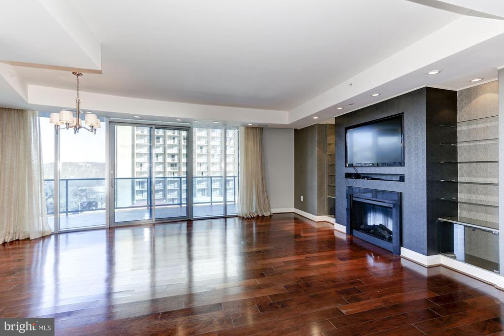 Welcome to Unit 512 - 1881 N NASH ST #512, ARLINGTON