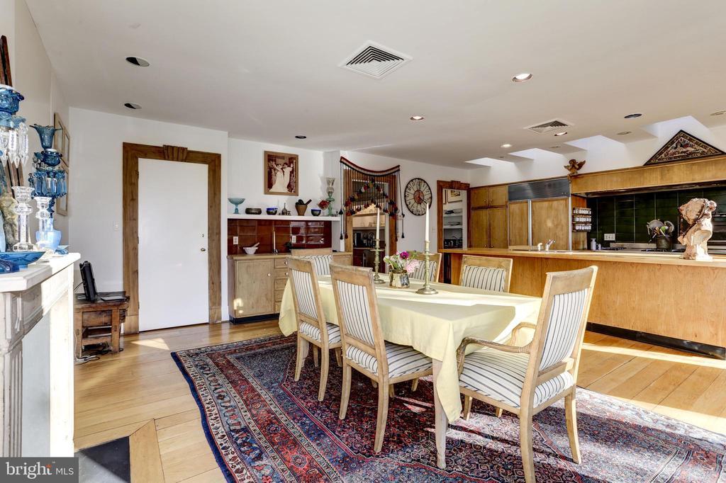 Breakfast Room - 1408 35TH ST NW, WASHINGTON