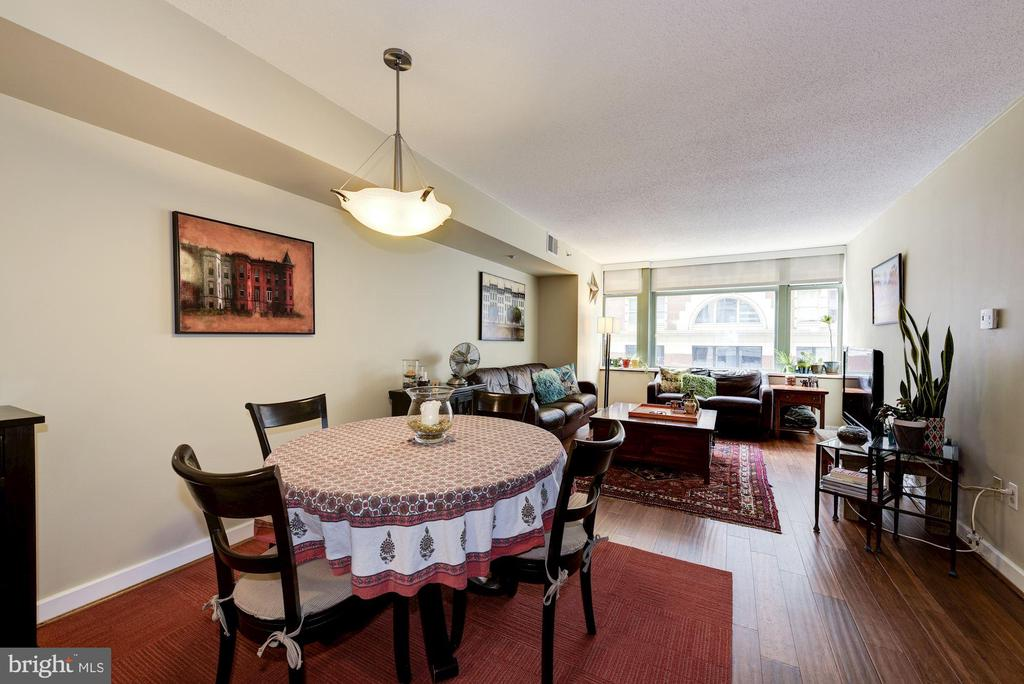 Welcome to this 970 sqft 2bed + 2 bath condo. - 1150 K ST NW #309, WASHINGTON