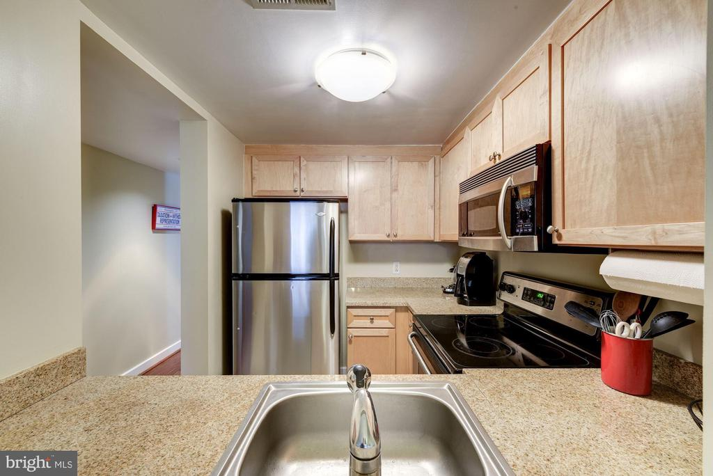 Abundant storage and counter space. - 1150 K ST NW #309, WASHINGTON