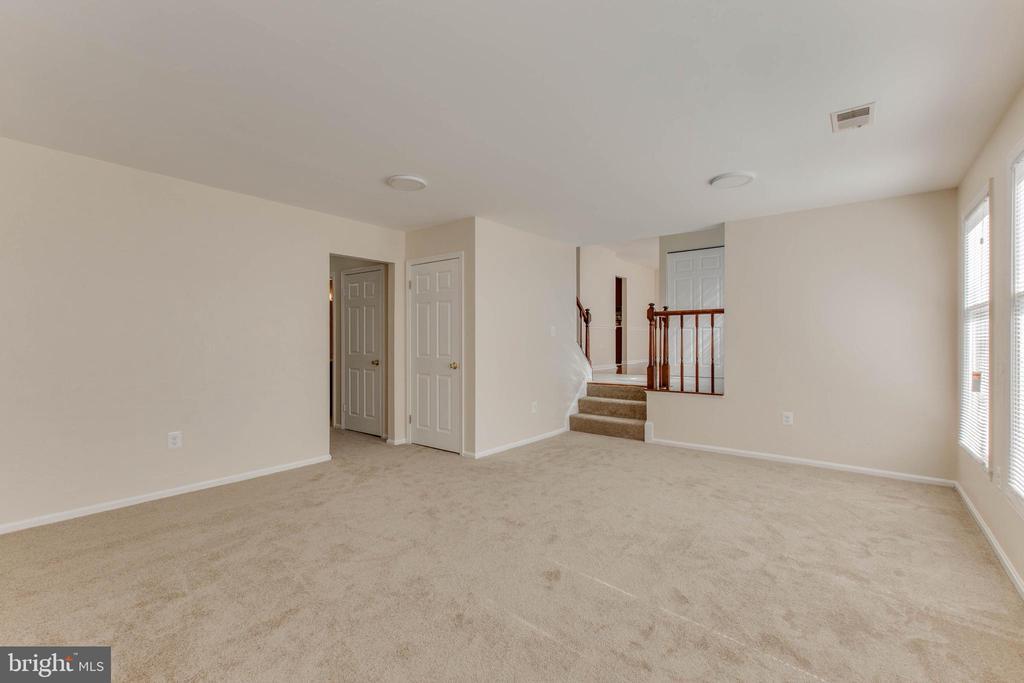 Living room - 14513 CARONA DR, SILVER SPRING