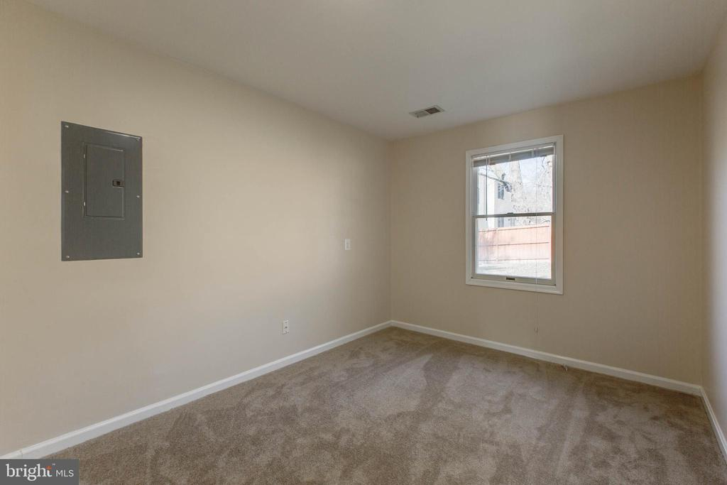 Bedroom (main level) - 14513 CARONA DR, SILVER SPRING