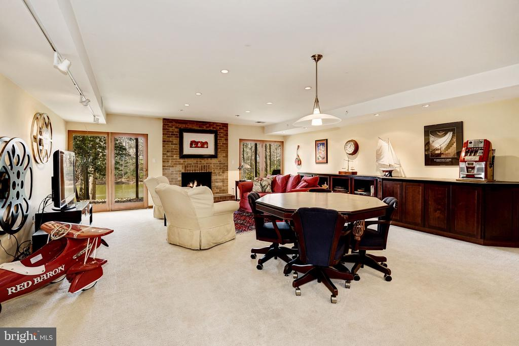 Recreation Room with View of Lake - 5322 BLACK OAK DR, FAIRFAX