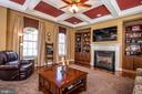 Family room with gas fireplace. - 21883 KNOB HILL PL, ASHBURN