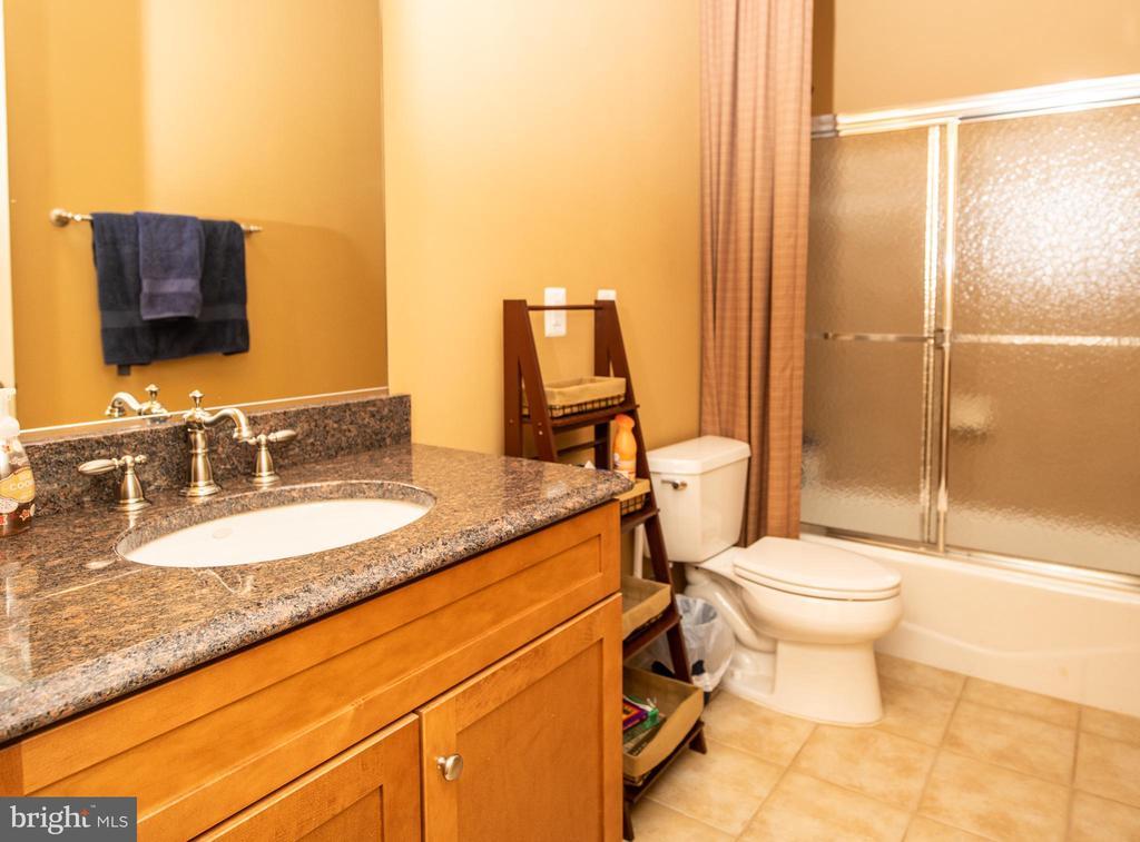 4th bath in basement. - 21883 KNOB HILL PL, ASHBURN