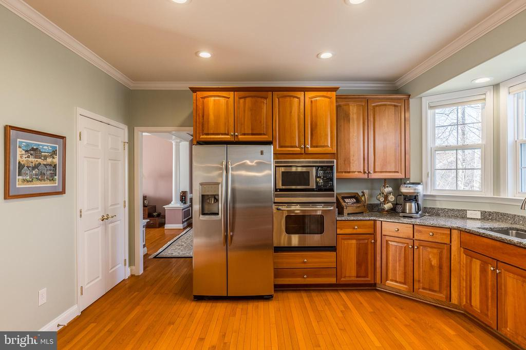 Stainless Steel Appliances! - 37 SENTINEL RIDGE LN, STAFFORD