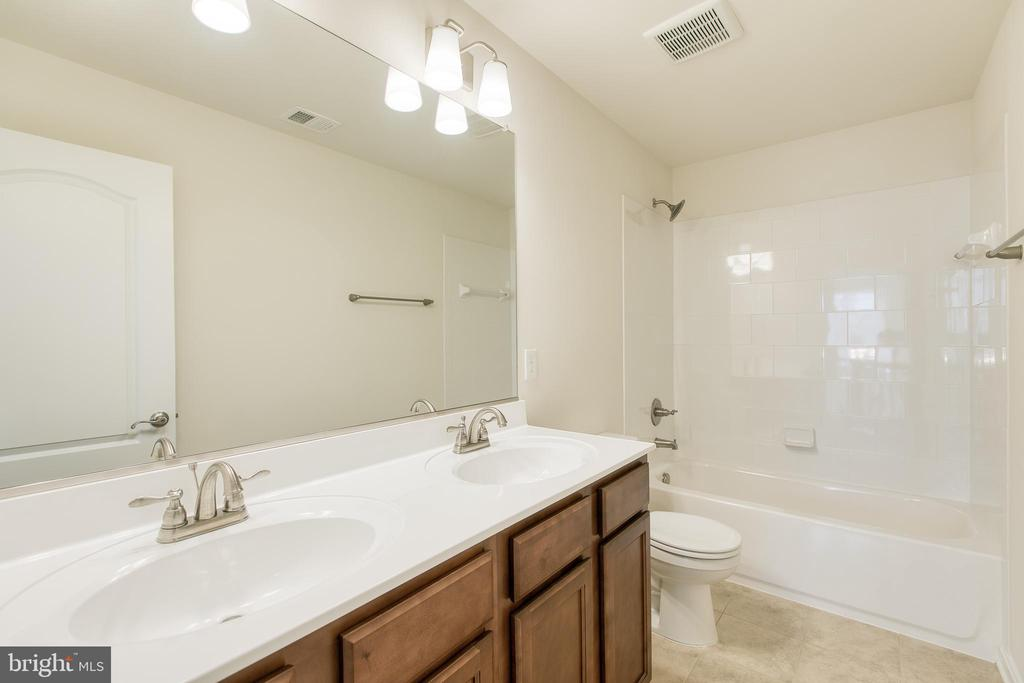 Full bathroom with double vanity - 315 MOUNT HOPE CHURCH RD, STAFFORD