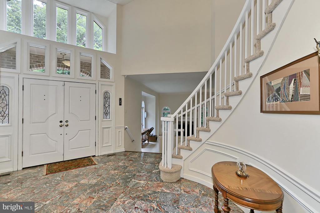 Stunning foyer - 12709 MILL GLEN CT, CLIFTON