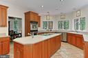 Gourmet kitchen - 12709 MILL GLEN CT, CLIFTON