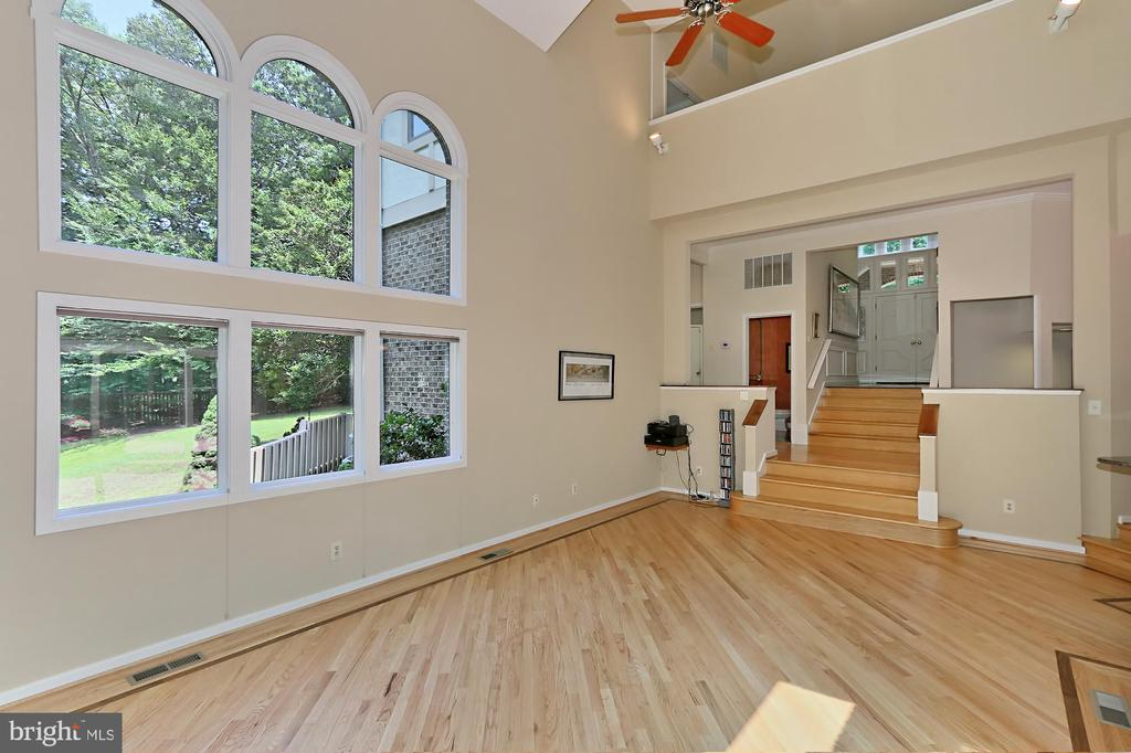 Wow!  beautiful great room, second fireplace! - 12709 MILL GLEN CT, CLIFTON