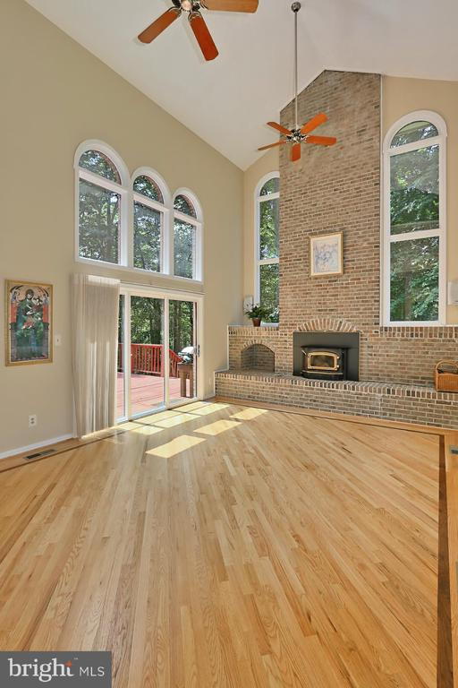 Open floorplan with so much natural light - 12709 MILL GLEN CT, CLIFTON
