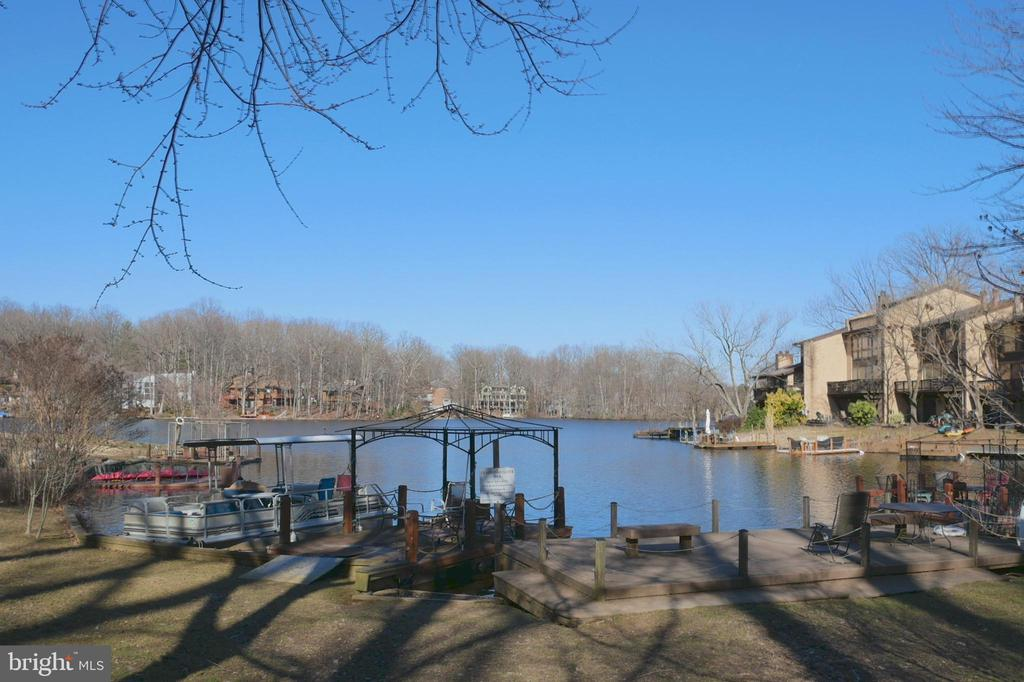 Chadds Ford Cluster Dock - 2047 CHADDS FORD DR, RESTON