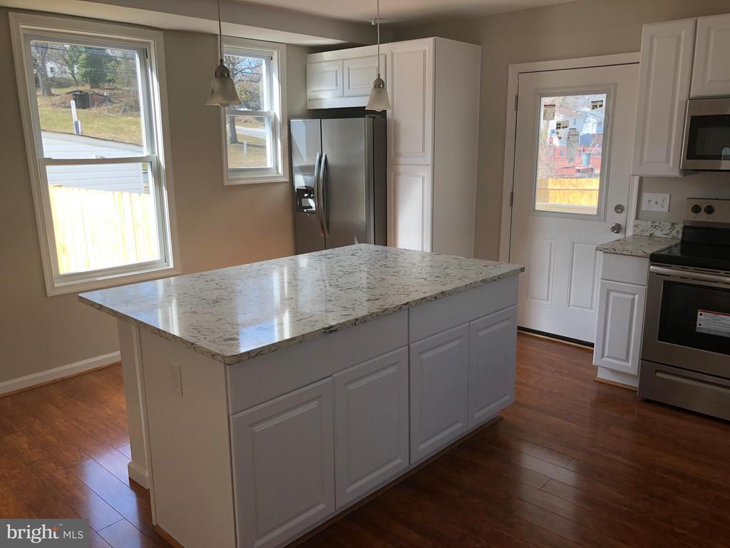 MAIN KITCHEN - 5400 DOLE ST, CAPITOL HEIGHTS