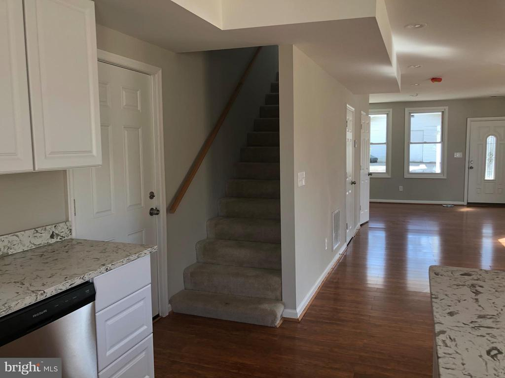 MAIN HOUSE INTERIOR - 5400 DOLE ST, CAPITOL HEIGHTS