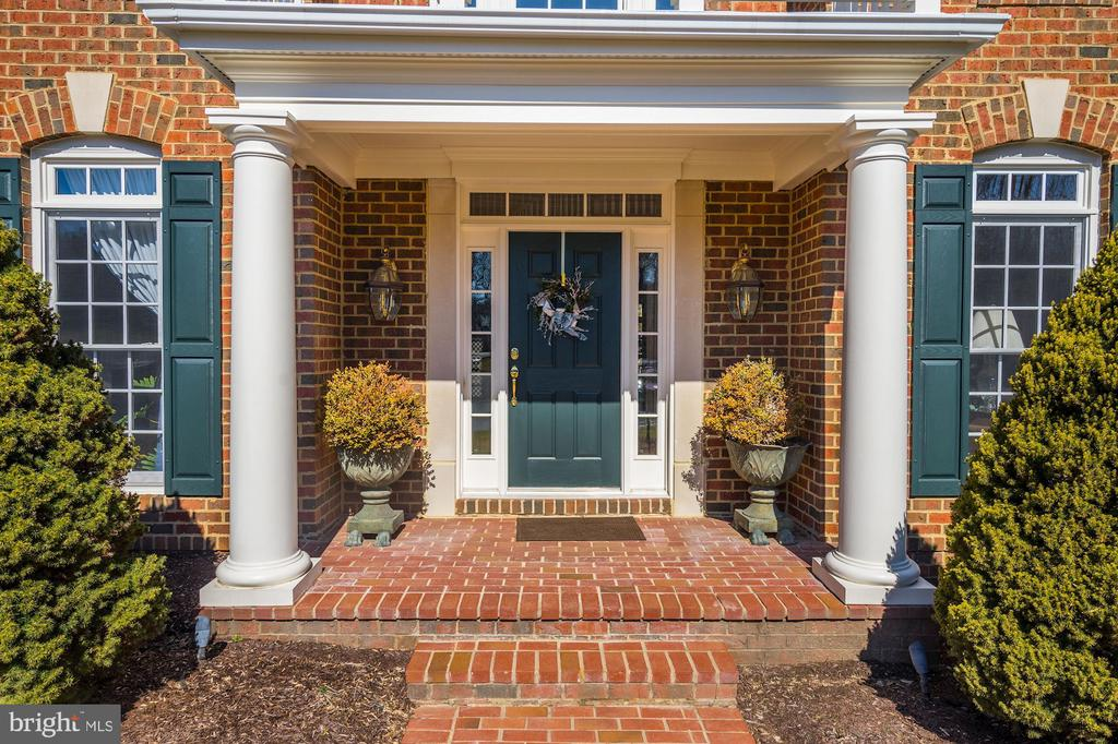 Welcome home! - 3150 ARIANA DR, OAKTON