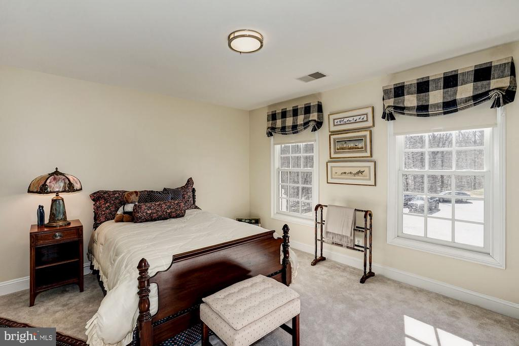 3rd Bedroom on 2nd level - 3150 ARIANA DR, OAKTON