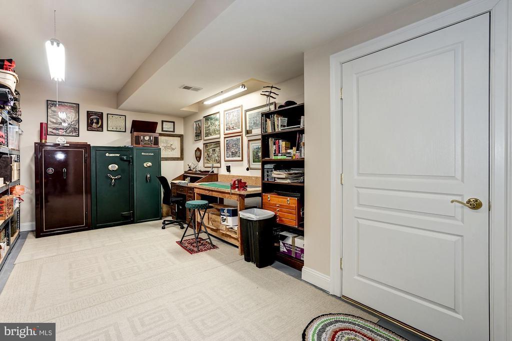 Work Room in basement - 3150 ARIANA DR, OAKTON