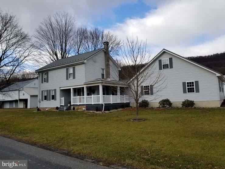 Single Family Homes للـ Sale في East Waterford, Pennsylvania 17021 United States