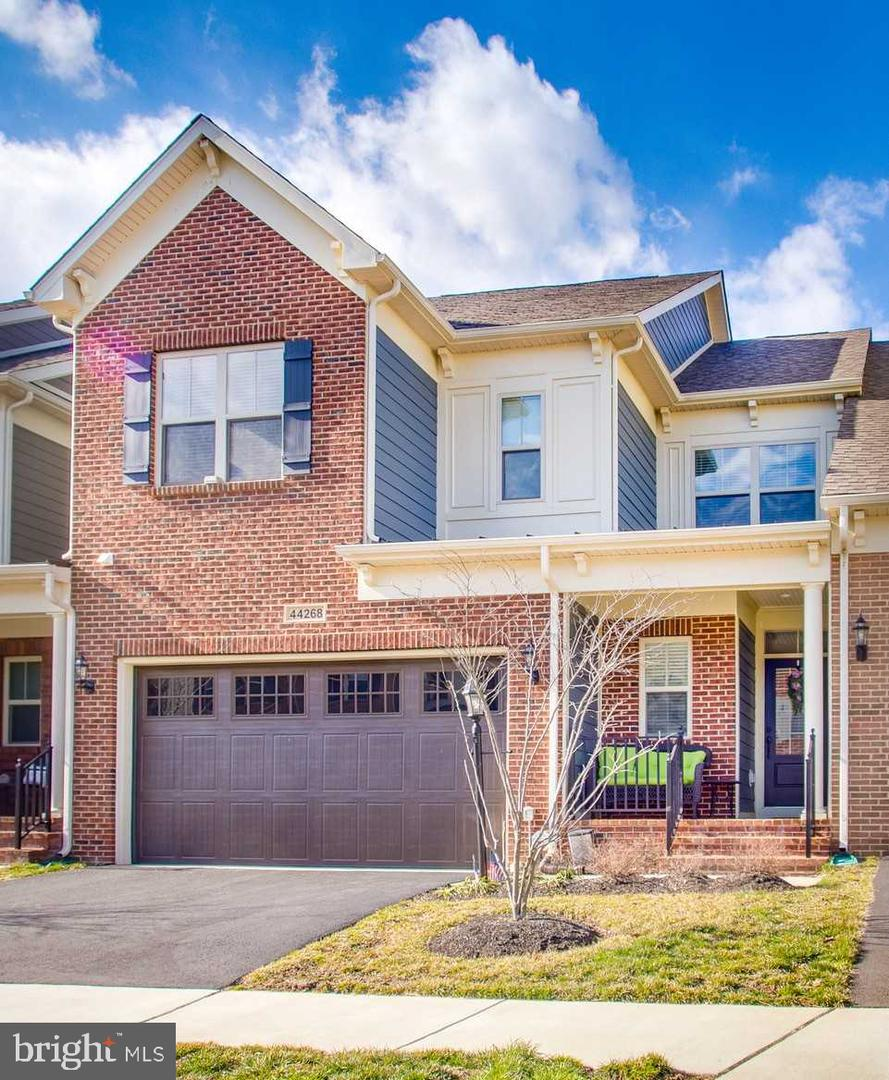 Single Family for Sale at 44268 Mimosa Grove Sq Leesburg, Virginia 20176 United States