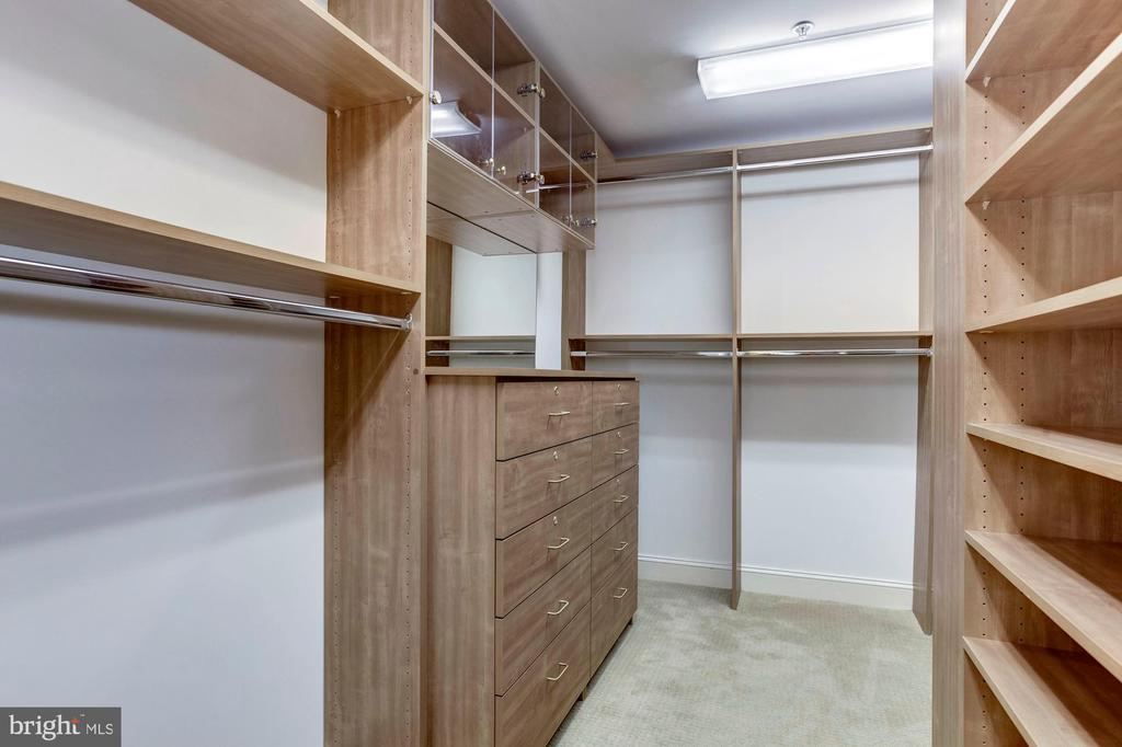 Hers Master Closet - 5630 WISCONSIN AVE #202, CHEVY CHASE