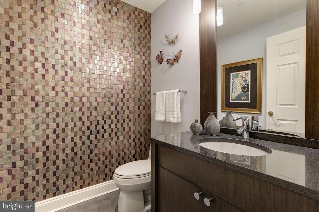 Powder Room - 5630 WISCONSIN AVE #202, CHEVY CHASE