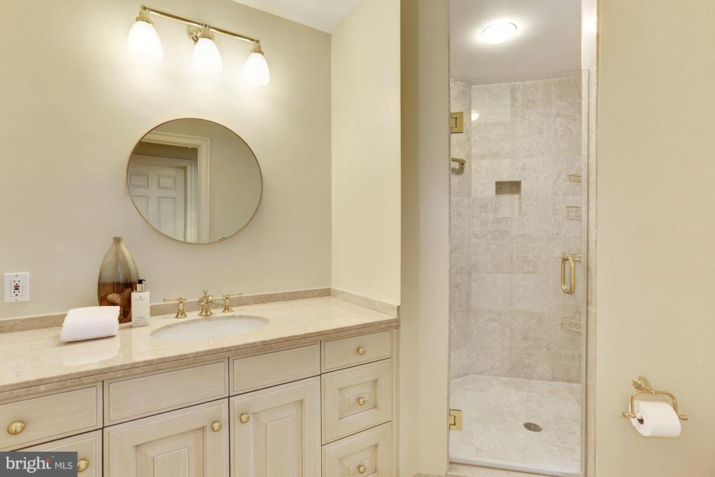 Master Bath - 5630 WISCONSIN AVE #202, CHEVY CHASE