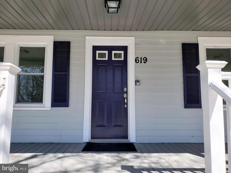 Enfamiljshus för Försäljning vid 619 HAWKS BRIDGE Road Penns Grove, New Jersey 08069 Förenta staterna
