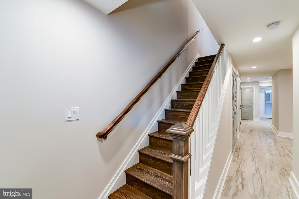 Basement staircase - 4324 14TH ST NW #1, WASHINGTON