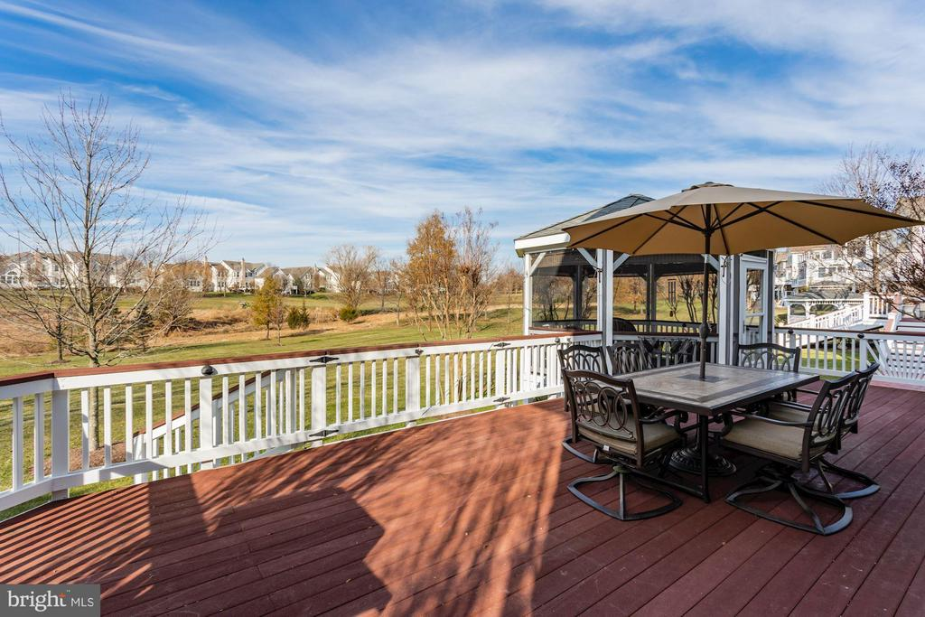 Beautiful Back Deck with Gazebo - 19979 PALMER CLASSIC PKWY, ASHBURN