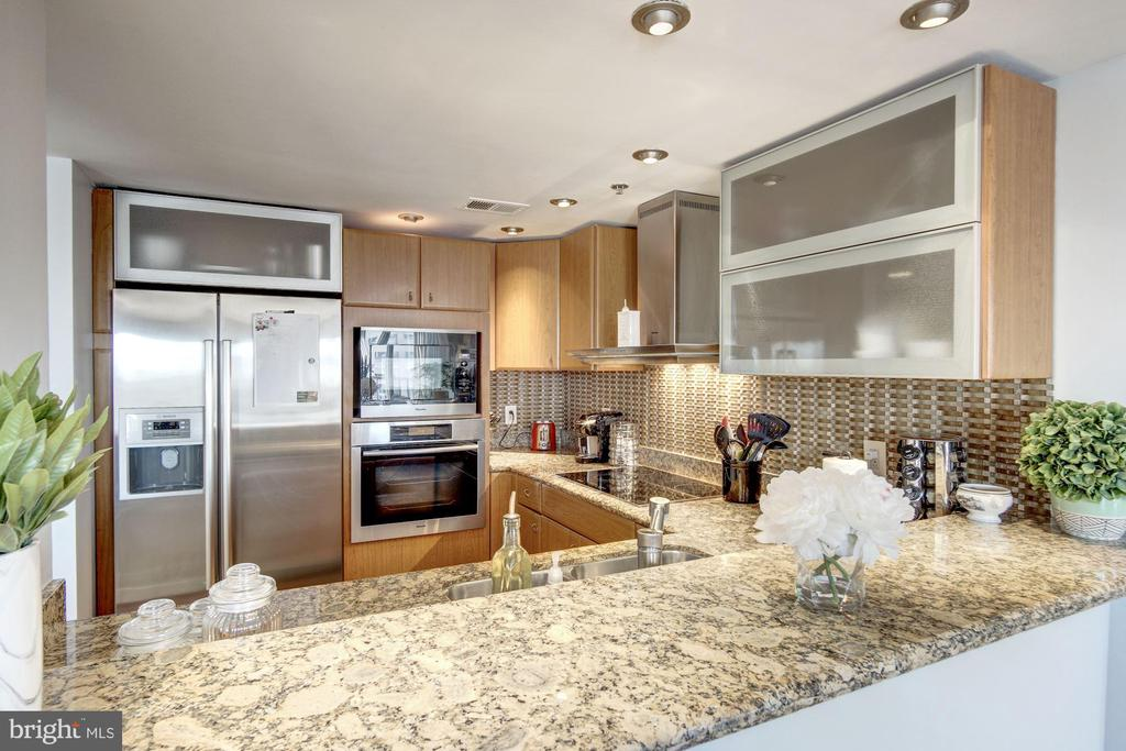 Gourmet Kitchen - 777 7TH ST NW #1120, WASHINGTON