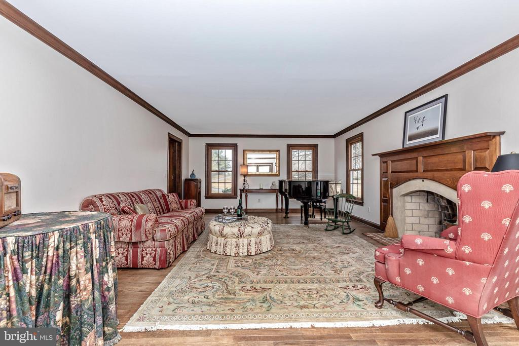 Formal Living Room - 4320 DAMASCUS RD, GAITHERSBURG