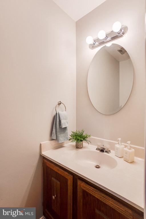 Hardwood Foyer and Powder Room - 5506 LA CROSS CT, FAIRFAX