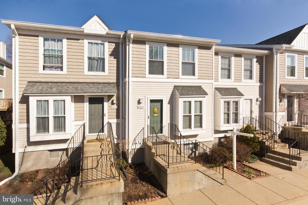 Gorgeous townhouse - 3813 9TH RD S, ARLINGTON