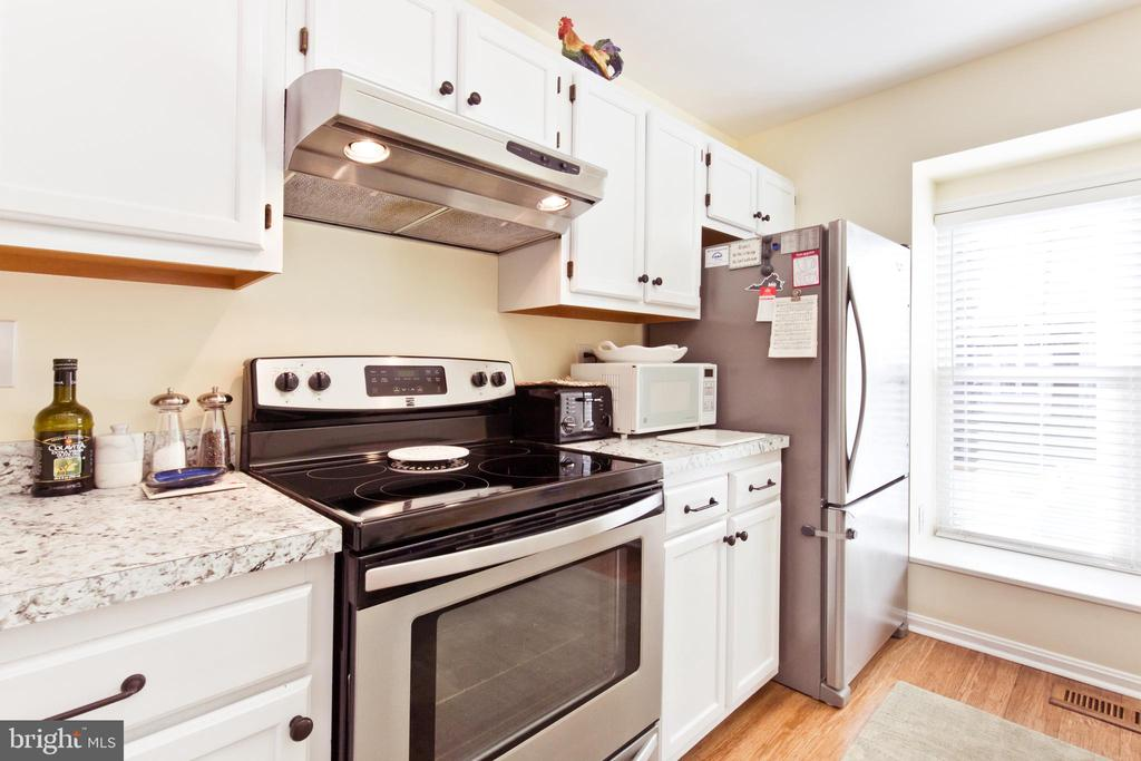 Stainless steel appliances - 3813 9TH RD S, ARLINGTON