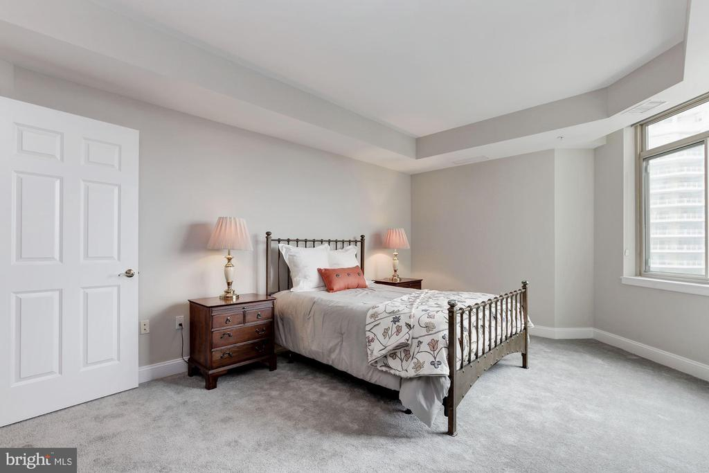 Master Bedroom - 5630 WISCONSIN AVE #807, CHEVY CHASE